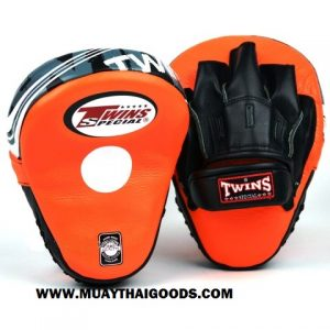 TWINS FOCUS PUNCHING MITTS PML 10