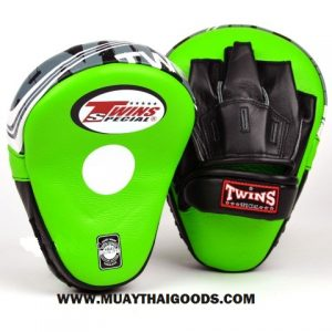 TWINS FOCUS PUNCHING MITTS PML 10 GREEN BLACK