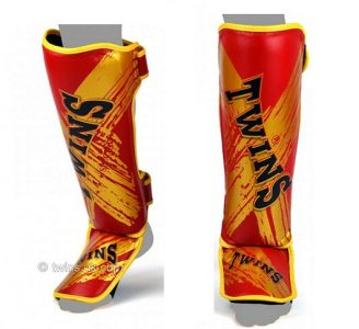 Twins Special SHIN GUARDS SLIM PADDED RED GOLD TW3 SGL3
