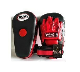 PML19 PUNCHING MITTS CURVED MUAY THAI BOXING KICK PADS TRAINING TWINS SPECIAL BLACK RED ( PAIR )