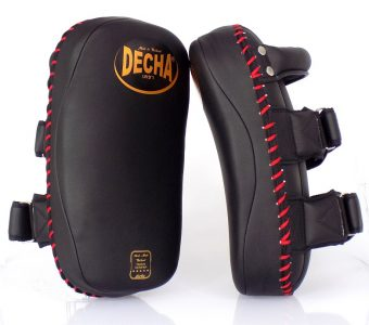 DECHA MUAY THAI KICK PADS  DKPM7 curved BLACK/RED ( PAIR )